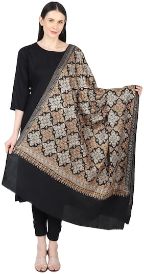 Women Wool Embroidered
