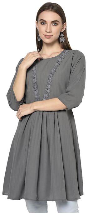 Angel Curve Women Solid Regular tunic - Grey
