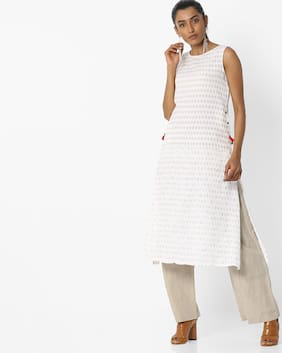 AVAASA MIX N' MATCH By Reliance Trends Women White  Kurtas