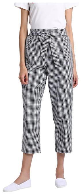 BESIVA Women Regular Fit Mid Rise Checked Pants - Black