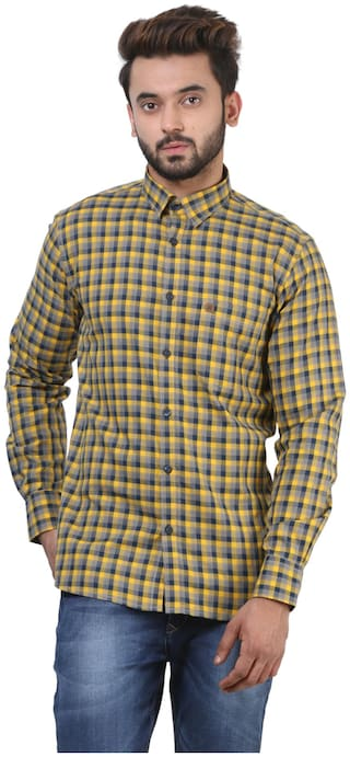 Crimsoune Club Men Yellow Checked Regular Fit Casual Shirt