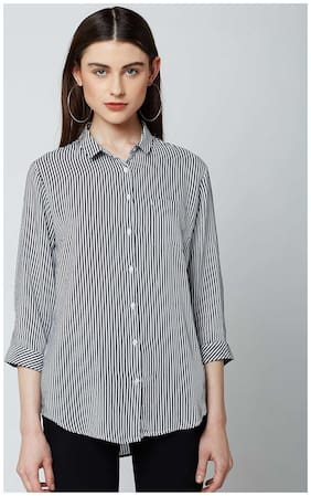 Crimsoune Club Navy Blue Striped Casual Shirt