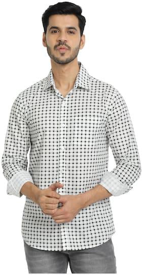 DEZANO Men Green & White Checked Regular Fit Casual Shirt