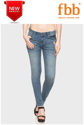 DJ&C Whisker Wash Embroidered Womens Blue Jeans