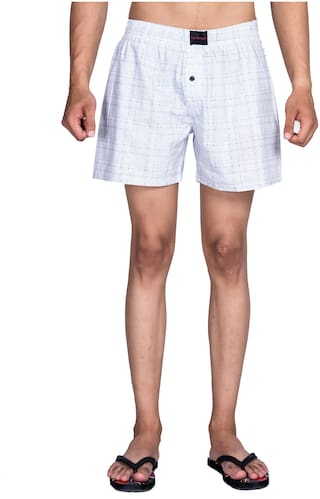 Flamboyant Men White Regular Fit Regular Shorts