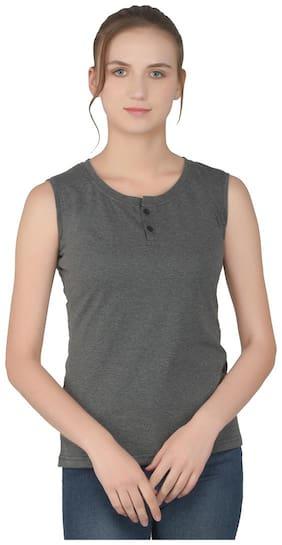 Geum Women Grey Regular fit Henley neck Cotton T shirt