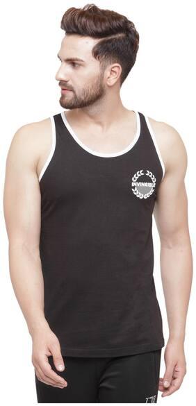 Invincible Men Black Regular fit Cotton Scoop neck T-Shirt - Pack Of 1