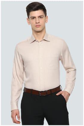 Men Regular Fit Checked Formal Shirt