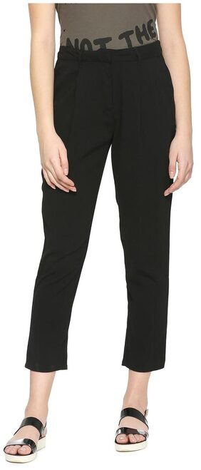 People Women Straight Fit Mid Rise Solid Pants - Black