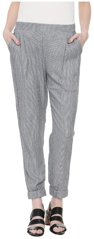 People Women Regular Fit Mid Rise Self Design Pants - Grey