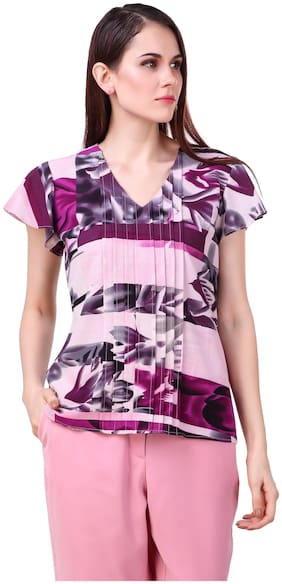 Printed V-neck top with front pintex and short sleeve