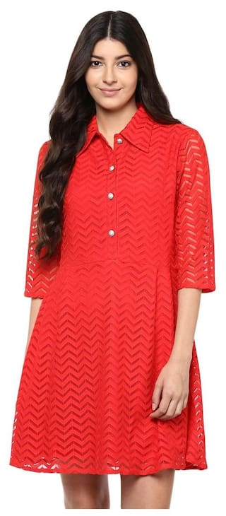 Red collared wave lace dress