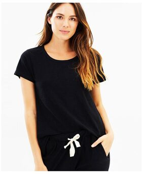 Round Neck Black Tshirt For Women's