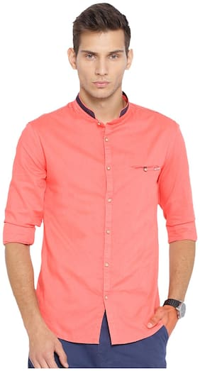 Showoff Men Red Solid Slim Fit Casual Shirt