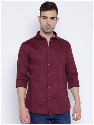 Showoff Men Slim Fit Casual shirt - Maroon