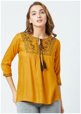 Women Embroidered Tie-up Top