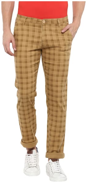 Urbano Fashion Men Beige Slim Fit Checkered Casual Chinos Pants with Stretch