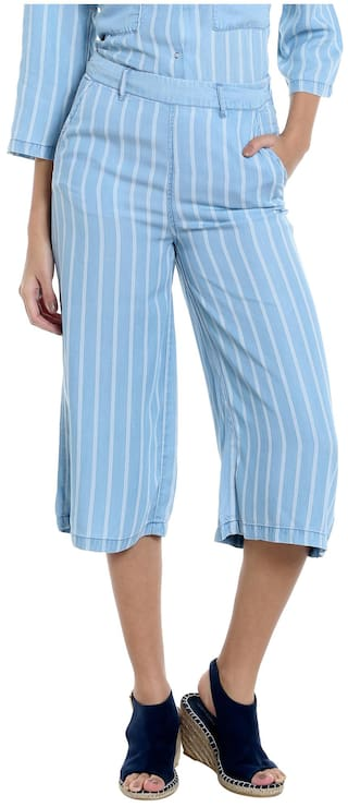 Vero Moda Women Striped Shorts - Blue