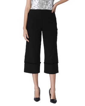 Vero Moda Women Solid Shorts - Black