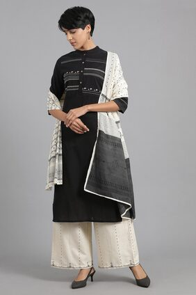 W Women Cotton Solid Straight Kurta - Black