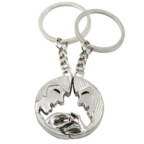 Engagement Couple Magnetic Key Chain Gifting for Valentine Day/Birthday/Friendship Day