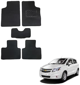 Oshotto/Matcon Carpet Foot mat for Chevrolet Uva Old/UVA SAIL (Set of 5;Black)