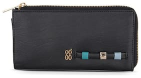 Baggit Women Solid Synthetic - Clutch Black