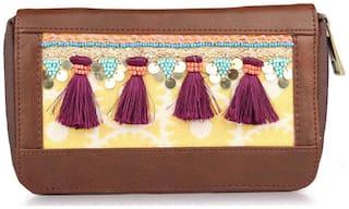 Desi Drama Queen Women Faux leather Wallet - Brown