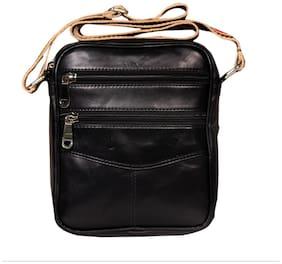 Leather World 4.5 L Black Genuine Leather  Designer Messenger Sling Cross Body  with Zip Closure Travel Bag