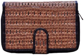 Tamanna Women Solid Leather - Clutch Black