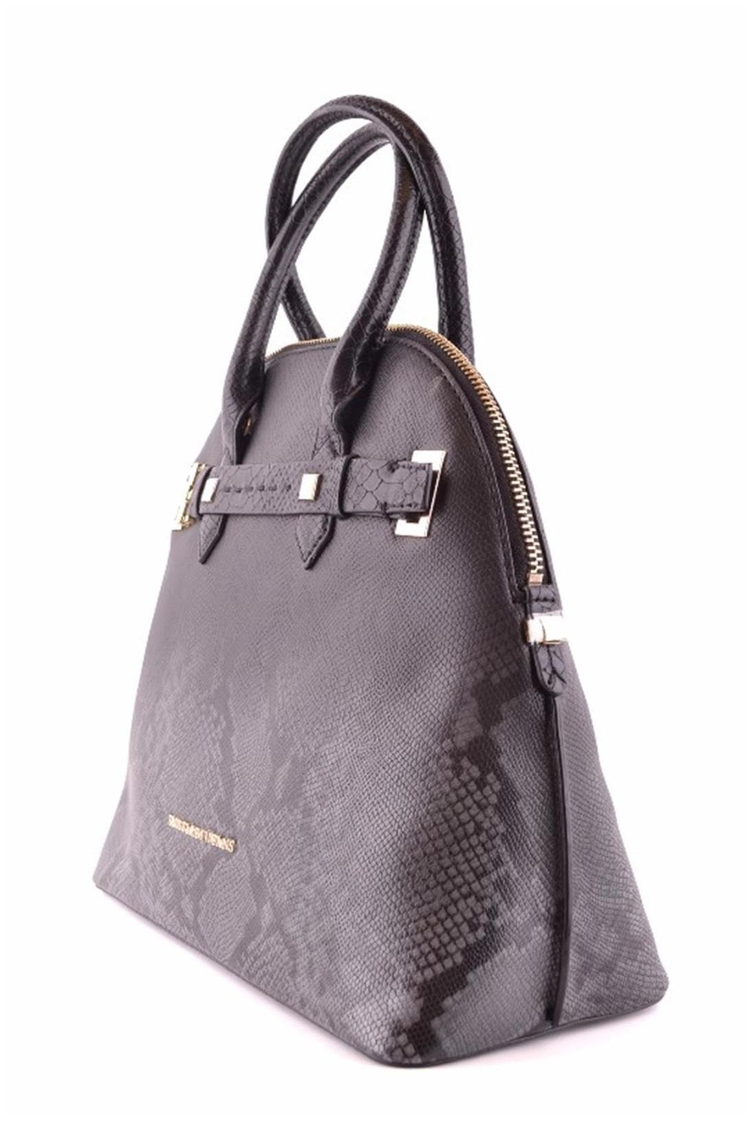 Buy TRUSSARDI JEANS WOMEN S MCBI299011O BLACK LEATHER HANDBAG    International Bazaar Online at Low Prices in India - Paytmmall.com 321d803e995d0