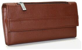 Utsukushii Women Solid Faux Leather - Clutch Brown