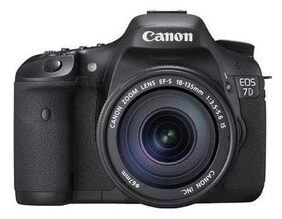 Canon EOS 7D (With EF-S 18-135 mm IS II Lens) 18 MP DSLR Camera (Black)