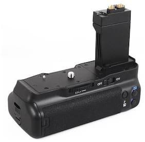 Digitek Battery Grip For Canon EOS 550D/600D
