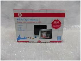 HP 3.5 in Digital Photo Frame - Black
