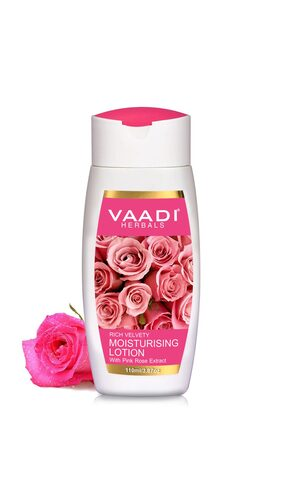 MOISTURISING LOTION WITH PINK ROSE EXTRACT