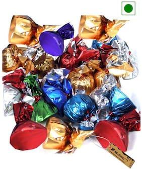 MoShik's Half kg Lose Dark Cashew Almond & Raisins Mix Chocolate 500 G