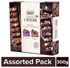 Nestle  Les Recettes De L'Atelier Gift Pack - Dark  Raisins, Almonds & Hazelnuts And Raisins, Almonds & Hazelnuts Milk Chocolate 300 gm