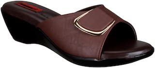 1 Walk Women Brown Slippers