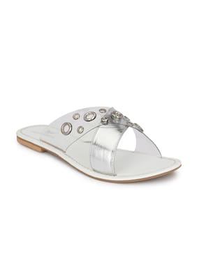 AADY AUSTIN Women White Open Toe Flats