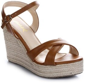 Aber & Q Women Brown Sandals