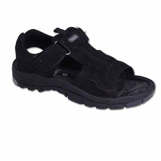 845f5e524c9b Buy Campus Men Black Sandals   Floaters Online at Low Prices in ...