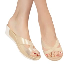 Action Women Gold Wedges -