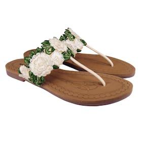 Action Women Cream Sandals