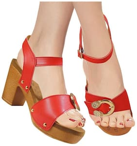 Action Women Red Pumps