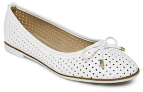 Addons Women White Bellie