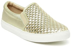 Addons Golden Casual Shoes