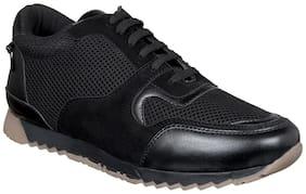 Aditi Wasan Men Black Classic Sneakers