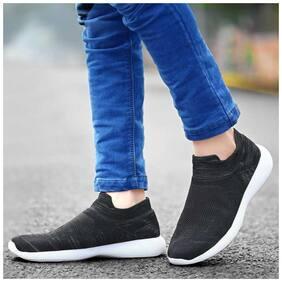 SocksBlack Training/Gym Shoes For Men ( Black )