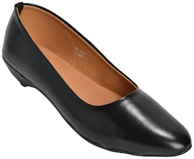 Ajanta Women Black Loafers